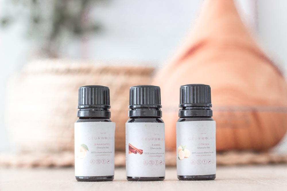 Three essential oils from Geurwolkje: Orange, cinnamon and lemon